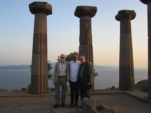 From right to left: Terence Seedsman, Ismail Tufan, Jan Baars at the Appolo Temple in Assos